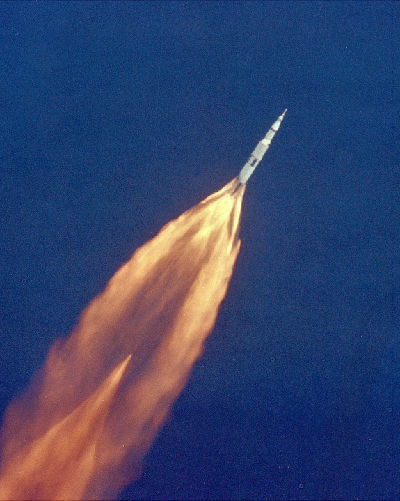 saturn_v_launch