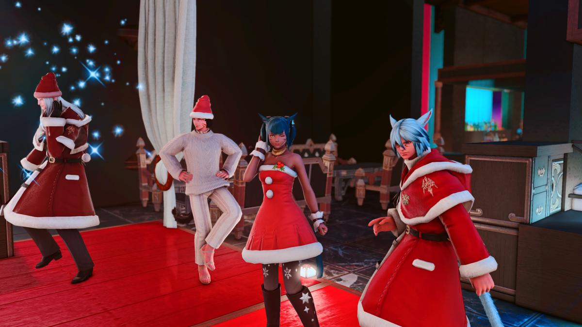 Miqo'te woman dances in XMas attire